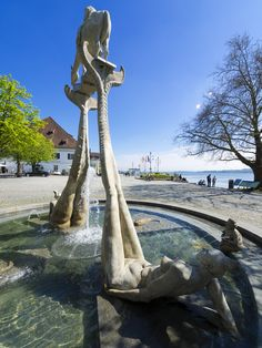 Peter Lenk Brunnen in Überlingen am Bodensee