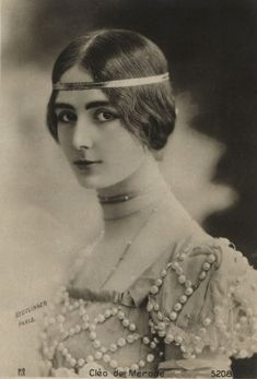 Cléo de Mérode (27 September 1875 - 17 October 1966), French dancer and model of the Belle Époque.
