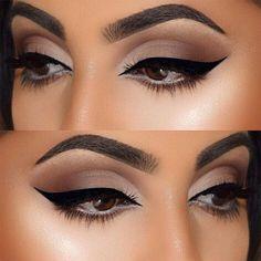 Lipsticksandlevis Make Up Beauty Makeup Cat Eye Makeup Eye Makeup Glitter, Cat Eye Makeup, Natural Eye Makeup, Eye Makeup Tips, Makeup Hacks, Smokey Eye Makeup, Makeup Goals, Makeup Ideas, Makeup Inspiration