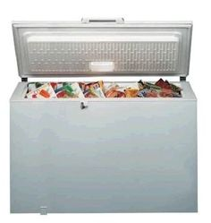 Use your freezer to make healthy eating easier. What You Eat, Freezer, Storage Chest, Good Food, Healthy Eating, Easy, Home Decor, Eating Healthy, Decoration Home