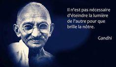 Ce que fait Monique Citation Gandhi, Mahatma Gandhi Quotes, Favorite Quotes, Best Quotes, Life Quotes, Banda Abba, Positive Mind, Positive Vibes, Positive Quotes