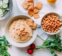 Snack smarter with these nutritionist-approved tips.