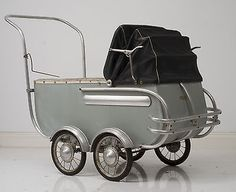 Vintage French 1930s style coach built pram Made by Maison LEMAIRE La Rochelle.