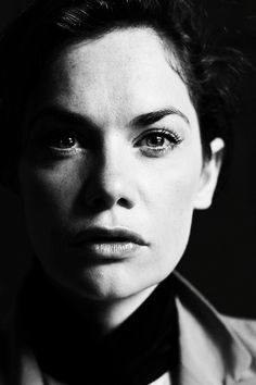She's back Ruth Wilson brings back Alice Morgan in tomorrow night's Luther and we cannot wait Luther, Ruth Wilson, Female Of The Species, Actor Studio, Interesting Faces, Female Images, Woman Face, Beautiful Actresses, Black And White Photography