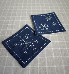 """Japanese Embroidery """"Sashiko Coasters"""" :: I might prefer pillows! Diy Embroidery Kit, Learn Embroidery, Ribbon Embroidery, Cross Stitch Embroidery, Embroidery Patterns, Shashiko Embroidery, Broderie Bargello, Japanese Quilts, Japanese Embroidery"""