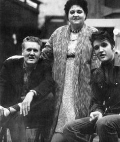Elvis With His Parents - Early Years