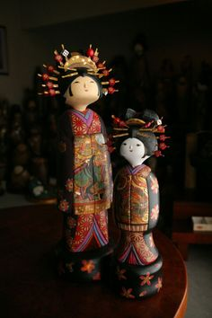 Oiran & Little Oiran Kokeshi Dolls by Sekiguchi Sansaku Momiji Doll, Matryoshka Doll, Kokeshi Dolls, Paper Dolls, Art Dolls, Doll Japan, Asian Doll, Wooden Dolls, Wooden Puppet
