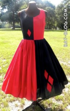 40's inspired Harley Quinn dress. Soo amazing. Not sure if I'll have time to make one...