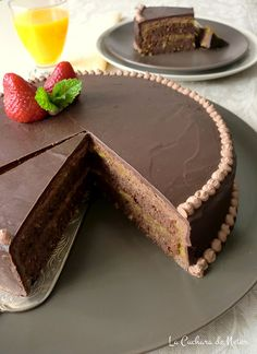 Sacher Choco Chocolate, Decadent Chocolate, Chocolate Desserts, Yummy Treats, Delicious Desserts, Yummy Food, Cake & Co, Dream Cake, Cake Boss