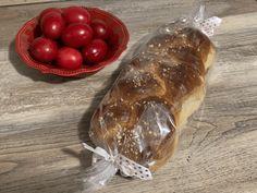 Τσουρέκια αφράτα και κορδωνάτα για μέρες!-evicita.gr Bread Cake, Food, Eten, Meals, Diet