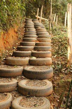 old tires filled with dirt to make stairs! Ooooh Trail obstacle?? Portaiksi? Väinön koulutukseen? Koiratarhan aidalle istutuksia varten?