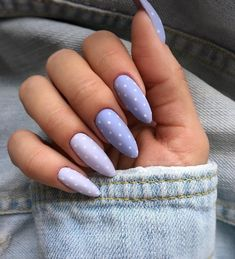 30 Best Spring Nail Art Designs 2019 - Light up your look this spring with dynamic pink nails like these. Not exclusively are the nails painted in jazzy pink, yet they additionally have a f. Classy Nails, Simple Nails, Cute Nails, Pretty Nails, Cute Spring Nails, Almond Acrylic Nails, Best Acrylic Nails, Almond Nail Art, Summer Acrylic Nails