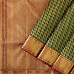 The opulence of the Kanakavalli kanjivaram sari comes into the spotlight for bridal and trousseau choices in the Valli Muhurtham curation. Kanjivaram Sarees Silk, Kanchipuram Saree, Sari Silk, Pure Silk Sarees, Cotton Saree, South Indian Wedding Saree, Saree Wedding, Indian Beauty Saree, Indian Sarees