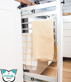 Check out these creative storage ideas for your laundry room, kitchen, bathroom , craft room and entryway. Make your clutter disappear with these smart storage hacks. #hometalk Creative Storage, Smart Storage, Storage Hacks, Storage Solutions, Storage Ideas, Diy Storage, Diy Resin Tray, Couch Makeover, Diy Shoe Rack