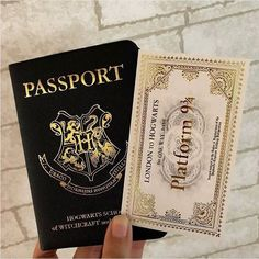 Have you got your HP Passport? Tag a friend who youd travel to hogwarts with Have you got your HP Passport? Tag a friend who youd travel to hogwarts with Harry Potter Tumblr, Harry Potter World, Objet Harry Potter, Mode Harry Potter, Estilo Harry Potter, Arte Do Harry Potter, Theme Harry Potter, Harry Potter Pictures, Harry Potter Room