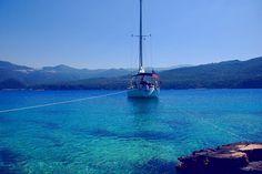 Photo by @ sailforgood.  Beautiful blue ocean!