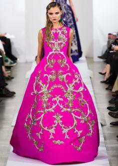 Inspiration: les plus belles robes des défilés pour les Fêtes (Oscar de la Renta) | Elle Québec