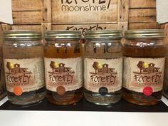 Schon mal Moonshine probiert? holt euch das moonshine probierset unter http://www.americanmoonshine.eu oder auf amazon.de