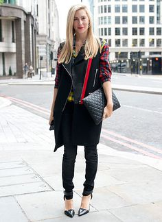 15. Joanna Hillman: Style directorat Harper's Bazaar Site: Harper's Bazaar Instagram: @Joanna Hillman