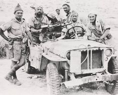 LRDG contemporaries, probably SAS, give look of Allied desert Special Forces. Both works closely together & relied upon strengths of each to achieve their missions. Military Jeep, Military Vehicles, East Africa, North Africa, Nz History, Special Air Service, British Armed Forces, Afrika Korps, Armored Vehicles