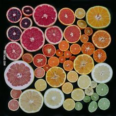 Austin-based freelance photographer Emily Blincoe is best known for her unique OCD-inducing take on food art. Her latest work has inanimate objects like citrus fruit, tomatoes, eggs and leaves neatly organized according to their color variations. Fruit And Veg, Fresh Fruit, Everyday Objects, Everyday Items, Grapefruit, Color Inspiration, Cool Stuff, Creative, Prints