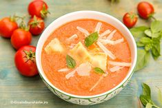 Forget oven meals and start using your crockpots! This scrumptious crockpot tomato ravioli soup is going to taste great this holiday season. Crockpot Dishes, Crock Pot Slow Cooker, Slow Cooker Recipes, Crockpot Recipes, Soup Recipes, Cooking Recipes, Ravioli Soup, Tortellini, Holiday Recipes