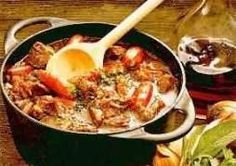 Heerlijke Herfst Stoofpot recept | Smulweb.nl Slow Cooker Recipes, Soup Recipes, Cooking Recipes, Healthy Recipes, Tagine, Healthy Diners, Dutch Recipes, Cold Meals, Dinner Dishes