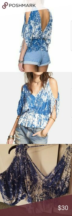 Free People Cold Shoulder Open Back Top Free People Abracadabra Cold Shoulder V-neck/back jersey top. Only worn once and in brand new condition. Comes from a pet free smoke free home Free People Tops Blouses