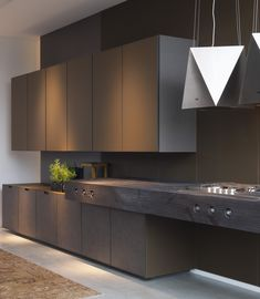 Elegant kitchen ideas with dark color is a high sense for modern kitchen design. Modern kitchen organization would be the heaven of housewife or housemen, You will find some modern kitchen decor ideas via this gallery. Small Modern Kitchens, Modern Kitchen Interiors, Contemporary Kitchen Design, Luxury Kitchens, Interior Design Kitchen, Home Kitchens, Kitchen Decor, Kitchen Ideas, Kitchen Grey