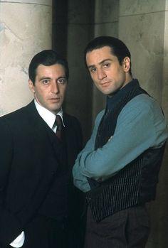 Al Pacino and Robert De Niro in the set of The Godfather part II (Francis Ford Coppola) Hollywood Actor, Hollywood Stars, Classic Hollywood, The Godfather Part Ii, Godfather Movie, Robert Downey Jr, Young Al Pacino, Don Corleone, Corleone Family