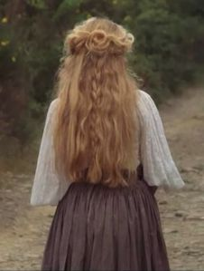 Italian girl's hairstyle from A Room with a View