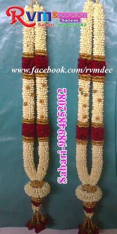 This marvelous nandhiyavattam garlands gives fabulous look. Indian Wedding Flowers, Bridal Hairstyle Indian Wedding, Flower Garland Wedding, South Indian Bride Hairstyle, Indian Wedding Receptions, Wedding Mandap, Peach Weddings, Romantic Weddings, Peach Wedding Invitations