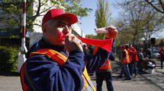 Tausende im Warnstreik: IG Metall erhöht die Schlagzahl