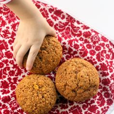Sweet Carrot Muffins // everyday reading