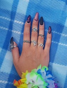 #blacknails #pinknails #pinkandblacknails Black Nails, Pink Nails, Engagement Rings, Beauty, Jewelry, Fashion, Enagement Rings, Moda, Wedding Rings
