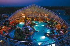 Therme Erding, Germany - waterslides AND spa! Spa Water, Park Around, Alien Worlds, Wellness, The Weather Channel, Park Photos, Water Slides, Future Travel, Wanderlust Travel