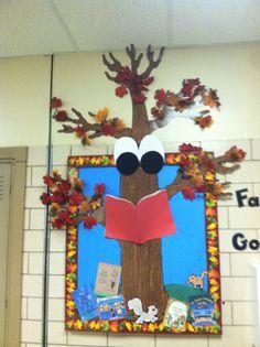 Fall bulletin board: Reading tree with great big eyes!
