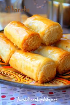 – The Best Arabic sweets and desserts recipes,tips and images Arabic Sweets, Indian Sweets, Almond Cakes, Cupcakes, Hot Dog Buns, Food Hacks, Coco, Sweet Recipes, Biscuits