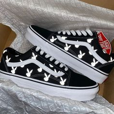 Dr Shoes, Swag Shoes, Hype Shoes, Cool Vans Shoes, Shoes Men, Sneakers Mode, Cute Sneakers, Shoes Sneakers, Yeezy Shoes