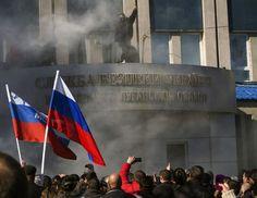 Ukraine: Pro-Russian activists seize Luhansk government building