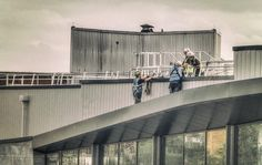 Break time - Harnessed builders having a chat on the roof of the new John Lewis as we approach the final week before they open on the 29th #onedailyfoto #theotherbondstreet #riversideretailpark #streetphotography #cityscape #construction #builders #harness www.fffoto.org Sx