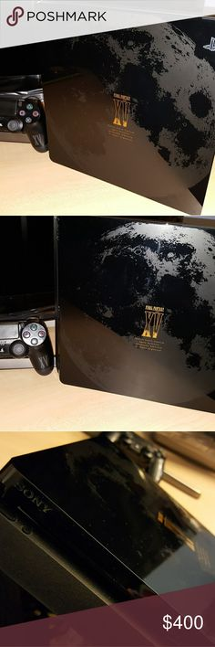 👨💻PlayStation 4 1TB FINAL FANTASY XV👨💻 ⭐PlayStation 4 1TB FINAL FANTASY XV🏅 Limited Edition Bundle.🏅 Use 3 times comes with control.  The new slim PlayStation®4 opens the door to extraordinary journeys through immersive new gaming worlds and a deeply connected gaming community.  Play online with your friends, get free games, save games online. Connect with your friends to broadcast and celebrate your epic moments at the press of the Share button to Twitch, YouTube, Facebook…