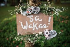 Weddings besides being romantic are generally cheerful celebrations. But some weddings look more eccentric than others and today were greeted with such a fte Gabz and Lalees wedd Romantic Wedding Colors, Quirky Wedding, Wedding Looks, Romantic Weddings, Dream Wedding, Rustic Church Wedding, Rustic Wedding Photos, Rustic Wedding Signs, Church Wedding Decorations Rustic