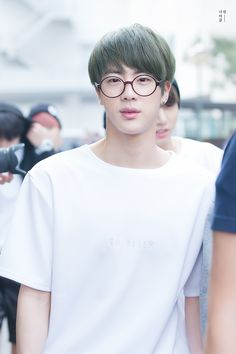Jin w/glasses is the best thing ever <3 ah~