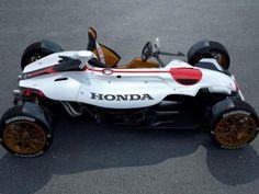 O Frankfurt Motor Show 2015, salão internacional do autóvel, na Alemanha, vai servir depalco para a exibição mundial do Honda Project 2&4 um carro com motor de moto. Projetado em conjunto pelo...
