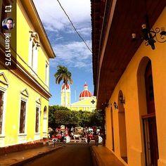 Follow @jkam1975: En una calle de #Granada #Nicaragua #ILoveGranada #AmoGranada #Travel