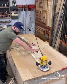 It's the circle of life. We'll technically an ellipse - Get Instant Access To 50 FREE Woodworking Plans at our website above👆🏼( if you use your phone - Wood Router, Router Woodworking, Learn Woodworking, Woodworking Videos, Custom Woodworking, Woodworking Templates, Cool Woodworking Projects, Woodworking Techniques, Diy Wood Projects