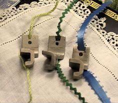 Singer Featherweight sewing machine 1/16 Braiding attachment 36067 also fits 15, 99+