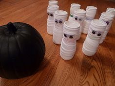 Use Gerber puff containers or water bottles to make a mummy bowling game. Would be good for the classroom Halloween party. Bowling game by sometimescreative. Classroom Halloween Party, Halloween Party Games, Halloween Carnival, Holidays Halloween, Halloween Kids, Halloween Crafts, Holiday Crafts, Holiday Fun, Happy Halloween