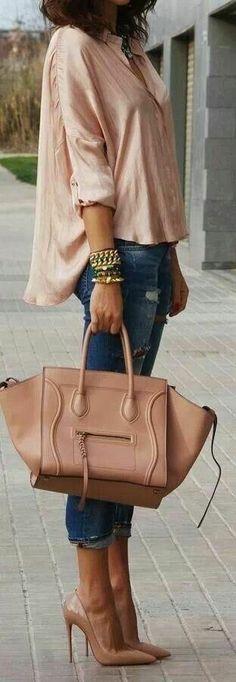 bolso grande, zapatos altisimos